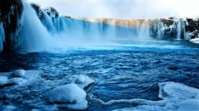 Frozen_Blue_Falls